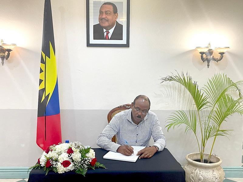 Book of Condolence opens at Office of the Prime Minister
